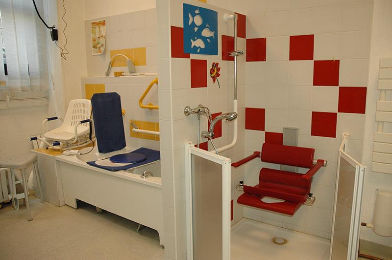 aide pour amenagement salle de bain pour handicape 28